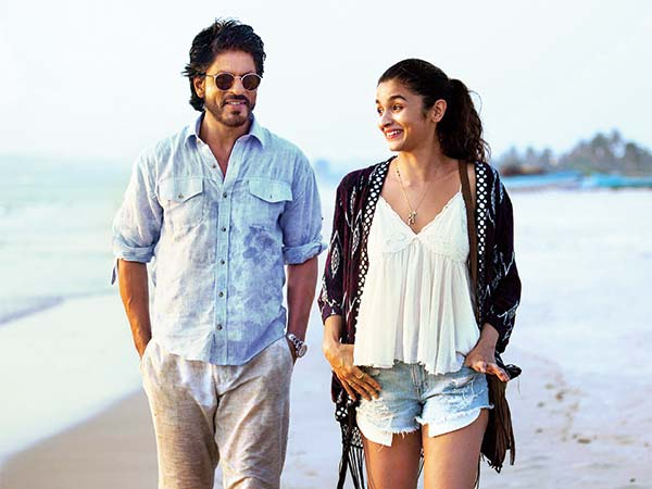 People Online has ripped shorts and tasseled shrug like worn by Alia Bhatt in Dear Zindagi